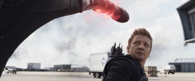 File:Hawkeye Civil War09.jpg
