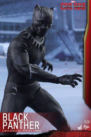 File:Black Panther Civil War Hot Toys 8.jpg
