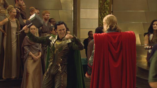 File:Thor Behind the Scenes 01.jpg