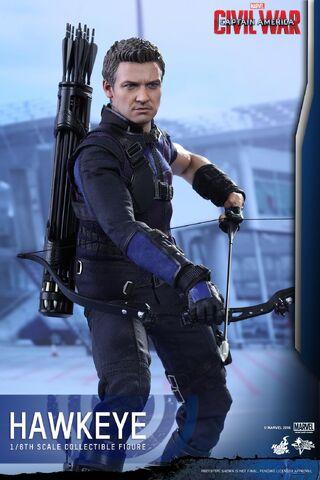 File:Hawkeye Civil War Hot Toys 13.jpg
