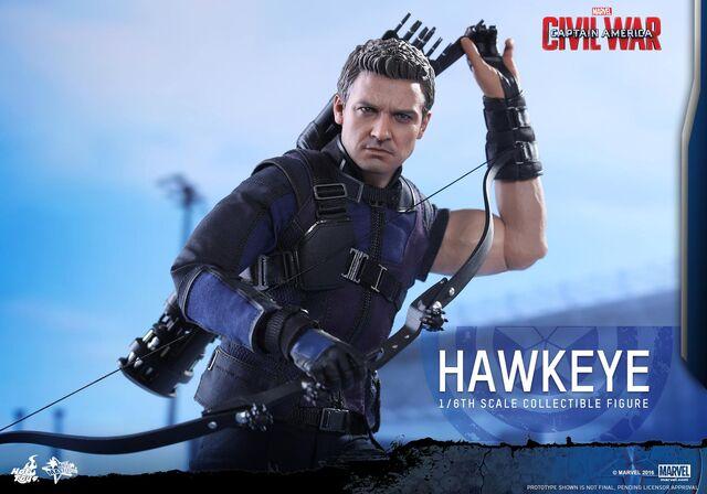 File:Hawkeye Civil War Hot Toys 3.jpg