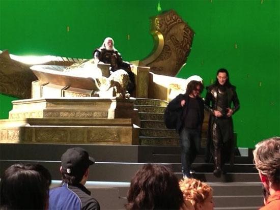 File:Odin-Loki Thor 2 set.jpg