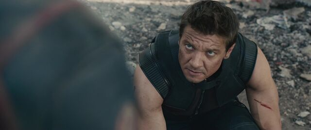 File:Hawkeye-Confirms-Quicksilvers-Death.jpg