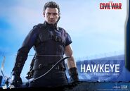 Hawkeye Civil War Hot Toys 17