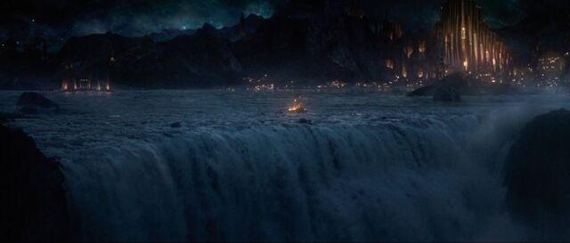 File:Thor-the-dark-world-movie-trailer-screenshot-8.jpg