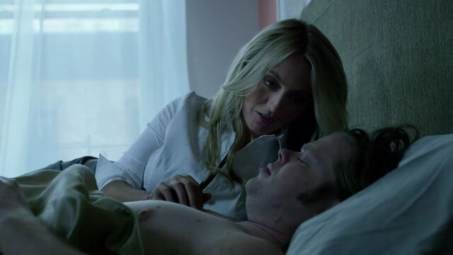File:Marci-Stahl-Foggy-Nelson-Bed.jpg