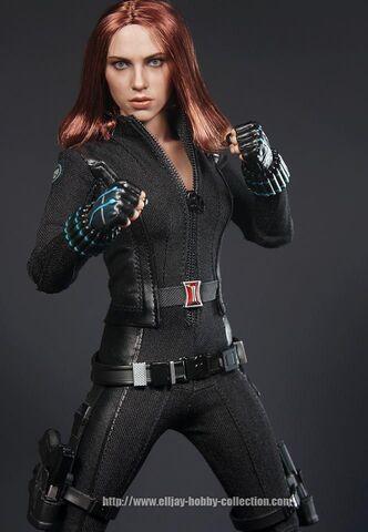 File:Black Widow Hot Toy 8.jpg