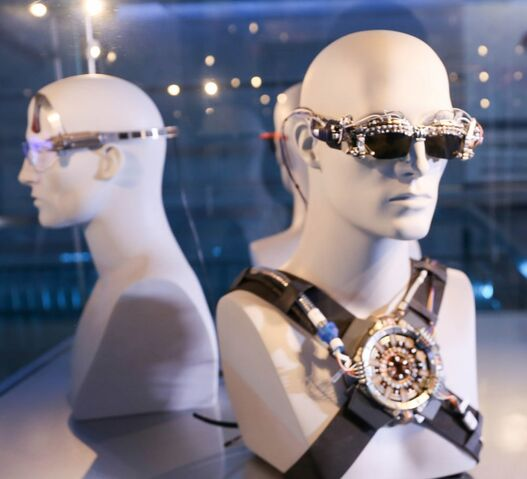 File:StarkVision Glasses from Iron Man Experience 002.jpg