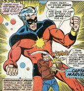 Rick Jones en Captain Marvel verbonden door de Nega bands (Avengers -72)