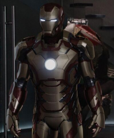 File:Iron Man Armor MK XLII (Earth-199999) from Iron Man 3 (film) 003.jpg