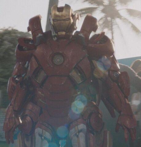File:Iron Man Armor MK VII (Earth-199999) from Iron Man 3 (film) 001.jpg