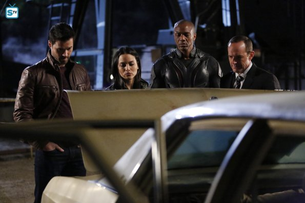 File:Agents of SHIELD The Dirty Half Dozen Mike Peterson Phil Coulson Grant Ward Agent 33.jpg
