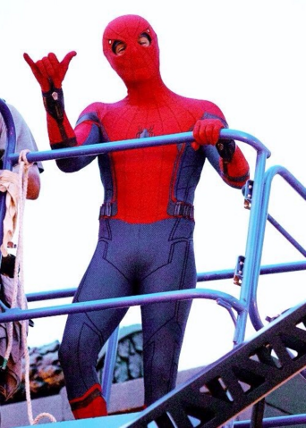 File:Spider-Man - Homecoming - Spidey - Set - August 30 2016 - 3.png