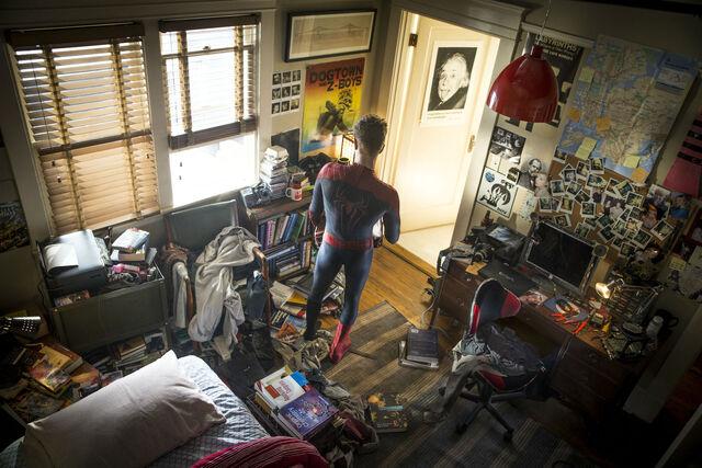 File:TASM2 Peter Parker.jpg