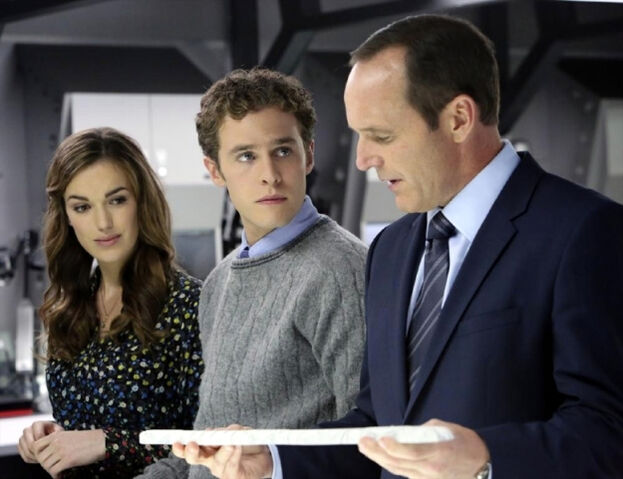 File:Agents of SHIELD The Well 22.jpg