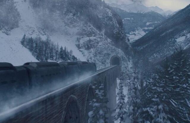 File:Arnim zolas trainCA.JPG