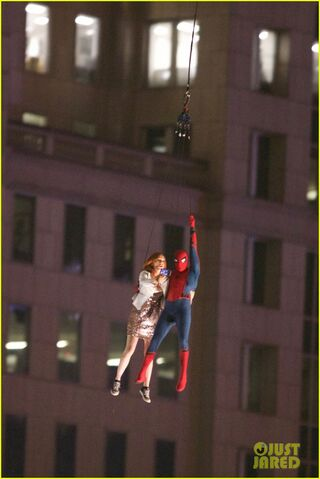 File:Spider-man-stunt-doubles-helicopter-scene-05.jpg