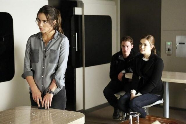 File:Agents of SHIELD Turn, Turn, Turn 02.jpg
