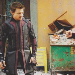 Official Look at Jeremy Renner as 'Hawkeye'