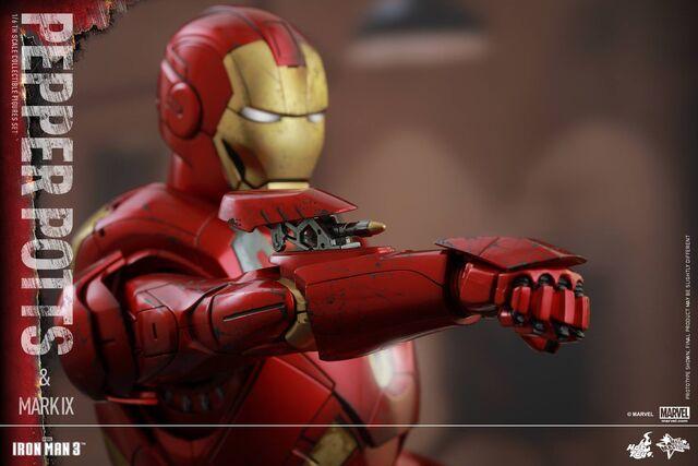 File:Iron Man Mark IX and Pepper Hot Toys 16.jpg