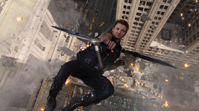 File:HawkeyeFallingShot2-Avengers.png
