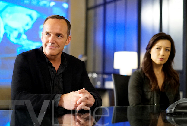 File:Agents of S.H.I.E.L.D. - Season 4 - Coulson and May - September 11 2016 - 1.png