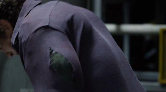 File:Hulk transformation-avengers.JPG