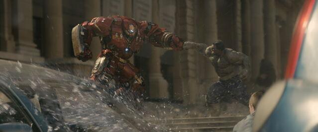 File:Avengers Age of Ultron Hulk v Hulkbuster.jpg