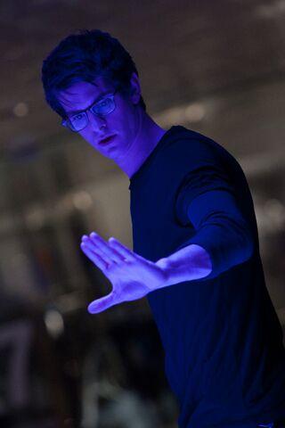File:Peter Parker TASM lab.jpg