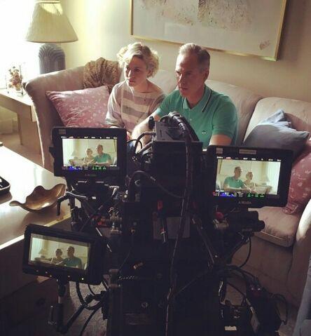 File:Scott-Alex-Summers-Parents-Filming-XMen.jpg