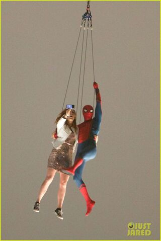 File:Spider-man-stunt-doubles-helicopter-scene-09.jpg