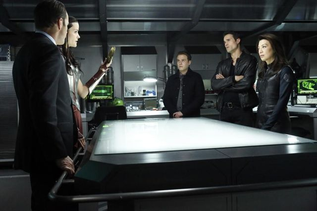 File:Agents of SHIELD Yes Men 06.jpg