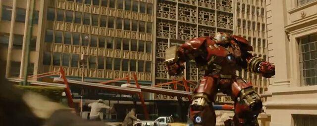 File:Avengers Age of Ultron 204.JPG
