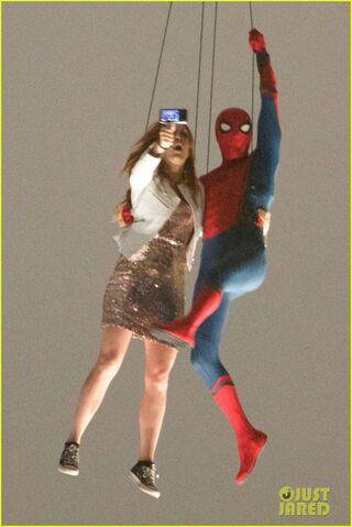File:Spider-man-stunt-doubles-helicopter-scene-12.jpg