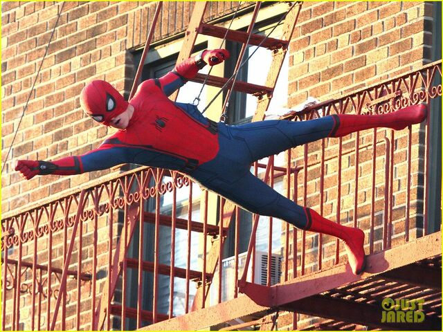 File:Tom-holland-performs-his-own-spider-man-stunts-on-nyc-fire-escape-13.jpg