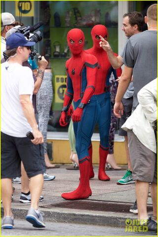 File:Spider-man-swings-into-action-on-set-13.jpg