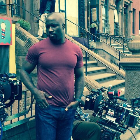 File:Luke Cage - Set - Luke - September 6 2016 - 1.jpg