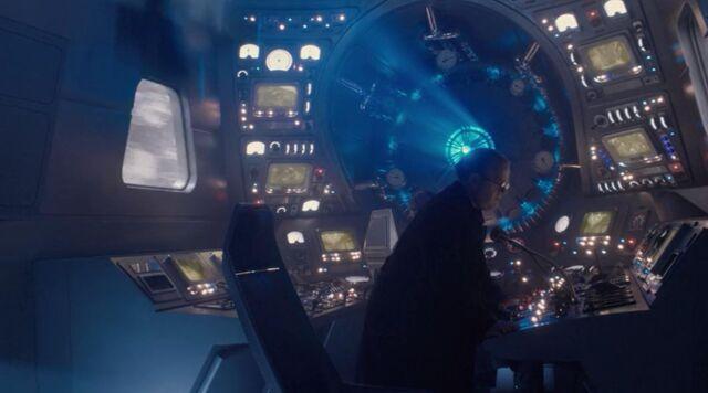 File:Cockpit.JPG