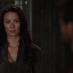 Kayla tells the truth to Logan