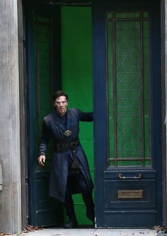 File:Doctor Strange Filming 64.jpg