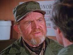 Gene Evans as Clayton Kibbee