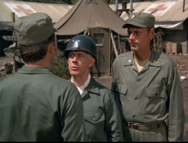 MASH episode-3x1-General Steele and Henry inspecting troops