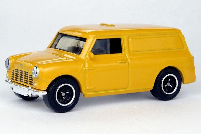 File:1965 Austin Mini Van - 8835df.jpg
