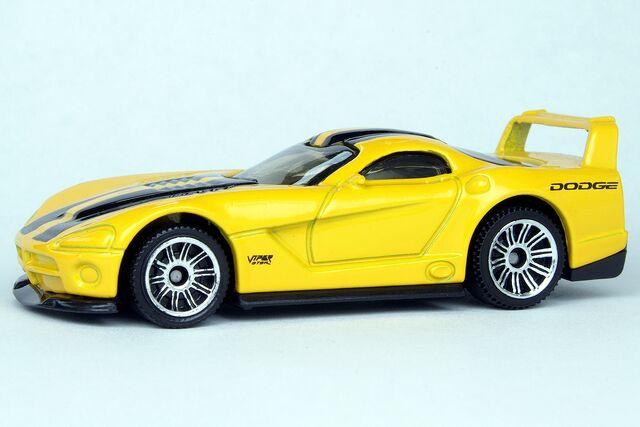 File:Dodge Viper GTSR - 7096df.jpg