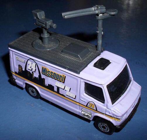 File:Missouri-Ch24-TV-truck.jpg