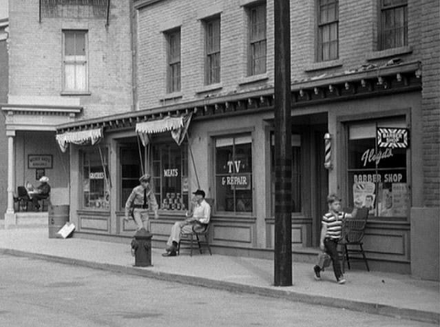 File:Town northside shops andy 1.jpg