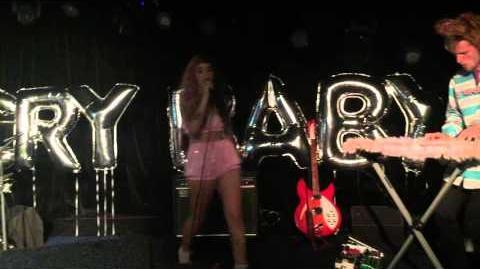 Melanie Martinez - Carousel (Live in Rio)