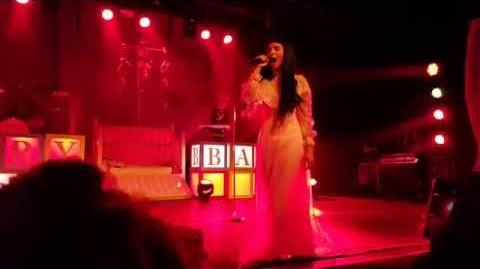 Melanie Martinez - Mad Hatter (live in Antwerp, Trix)