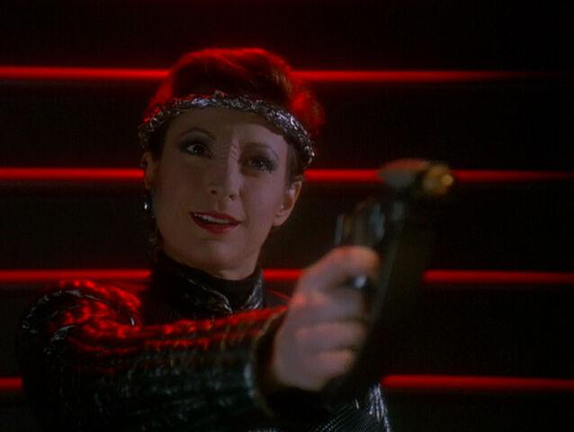 File:Bajoran disruptor 2372 2.jpg