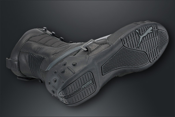 File:Puma sneakingboots pic3.jpg